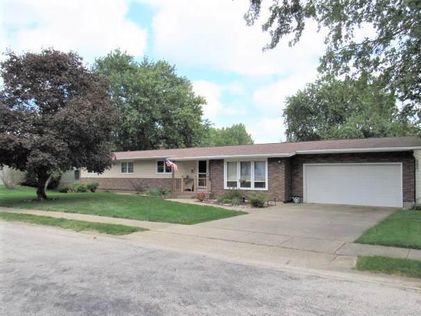 1208 S Quincy Street, CLINTON, IL 61727 (MLS #10510671) :: Lewke Partners