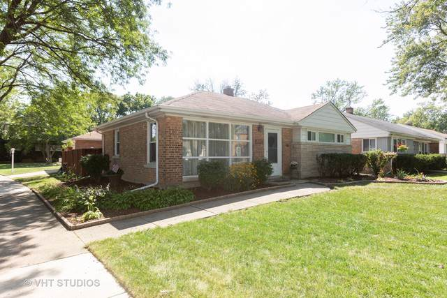 2105 Spruce Road, Homewood, IL 60430 (MLS #10512217) :: Touchstone Group