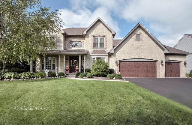 1350 Tunbridge Trail, Algonquin, IL 60102 (MLS #10513787) :: Lewke Partners