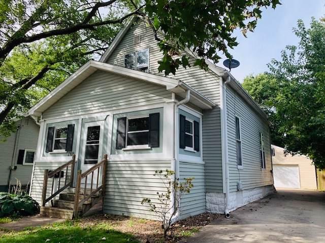 1403 W Chestnut Street, Bloomington, IL 61701 (MLS #10514278) :: Ryan Dallas Real Estate