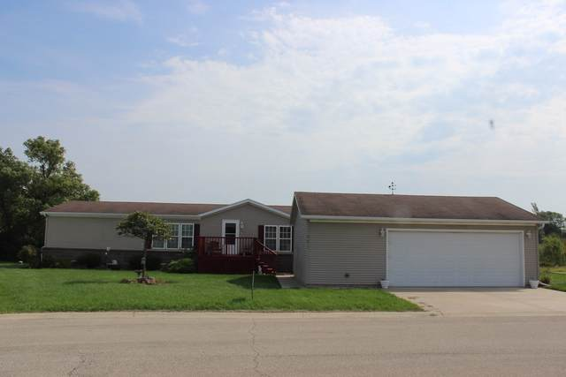 301 Lauren Circle, Chenoa, IL 61726 (MLS #10514453) :: BNRealty