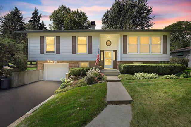 6802 Bentley Avenue, Darien, IL 60561 (MLS #10515166) :: Ani Real Estate