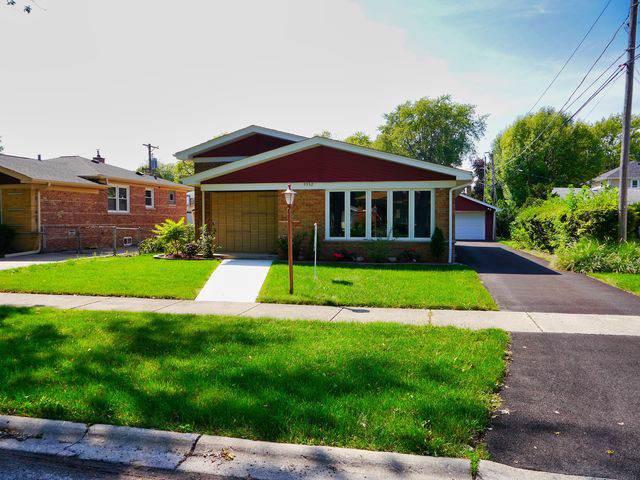 9932 Buell Court, Oak Lawn, IL 60453 (MLS #10516156) :: Baz Realty Network | Keller Williams Elite