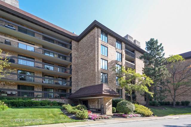 1621 Mission Hills Road #303, Northbrook, IL 60062 (MLS #10516265) :: Berkshire Hathaway HomeServices Snyder Real Estate