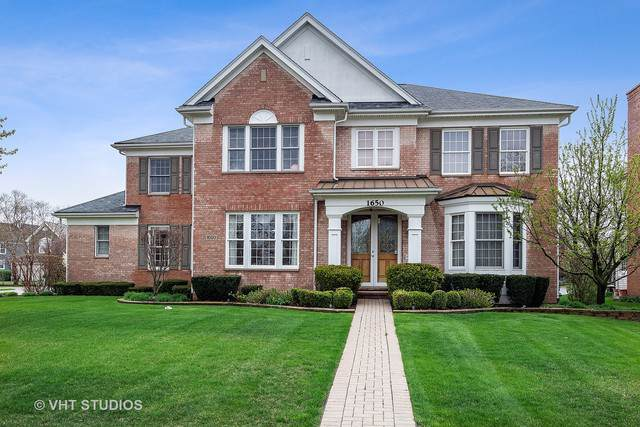 1650 Primrose Lane, Glenview, IL 60026 (MLS #10516305) :: Baz Realty Network | Keller Williams Elite
