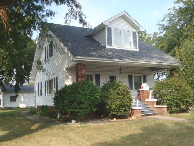 418 N First Street, Cissna Park, IL 60924 (MLS #10516367) :: Baz Realty Network   Keller Williams Elite