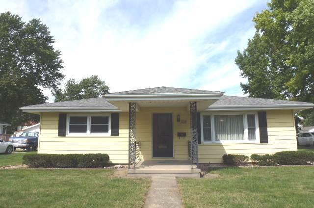 300 Water Street S, WELDON, IL 61882 (MLS #10517842) :: Property Consultants Realty