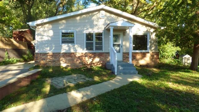 4920 Wildwood Drive, Mchenry, IL 60051 (MLS #10518144) :: The Dena Furlow Team - Keller Williams Realty
