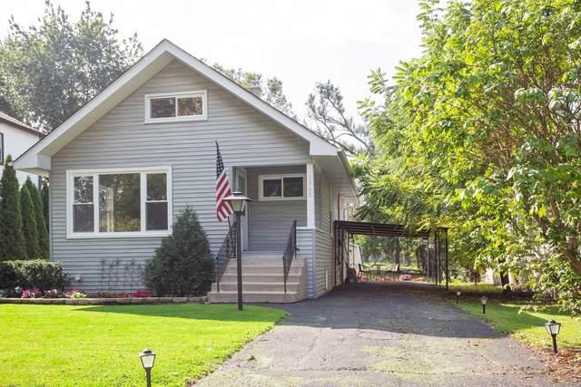 1365 E Walnut Avenue, Des Plaines, IL 60016 (MLS #10518810) :: Ani Real Estate