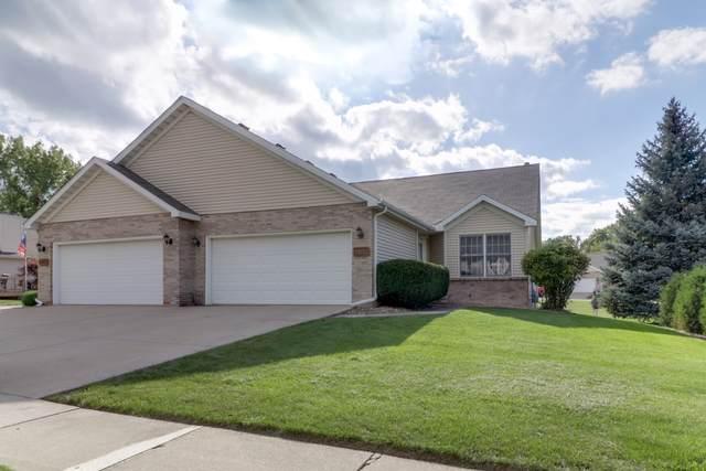 2005 S Morris Avenue, Bloomington, IL 61704 (MLS #10519055) :: Ryan Dallas Real Estate