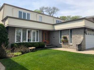 5261 Farwell Avenue, Skokie, IL 60077 (MLS #10519308) :: Lewke Partners