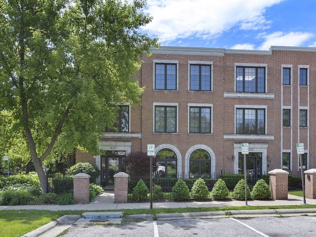 632 La Salle Place D, Highland Park, IL 60035 (MLS #10520188) :: The Perotti Group | Compass Real Estate