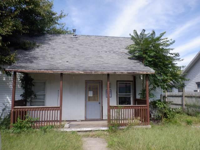 303 W 11th Street, GEORGETOWN, IL 61846 (MLS #10520712) :: Baz Realty Network | Keller Williams Elite