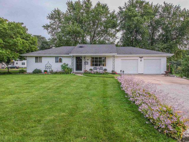 405 E Park Street, Danvers, IL 61732 (MLS #10522111) :: Property Consultants Realty