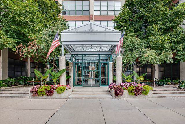 1800 W Roscoe Street #310, Chicago, IL 60657 (MLS #10522475) :: John Lyons Real Estate