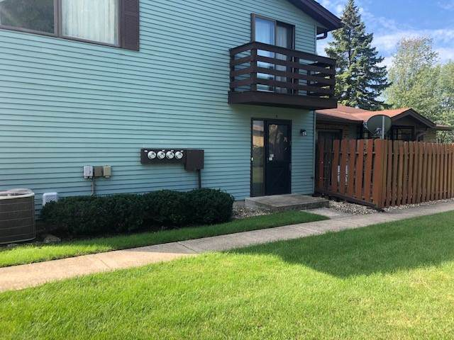 1590 Burton Court D, Aurora, IL 60505 (MLS #10522564) :: Property Consultants Realty