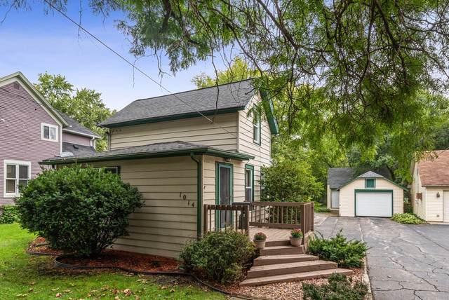 1014 Clay Street, Woodstock, IL 60098 (MLS #10522864) :: Lewke Partners