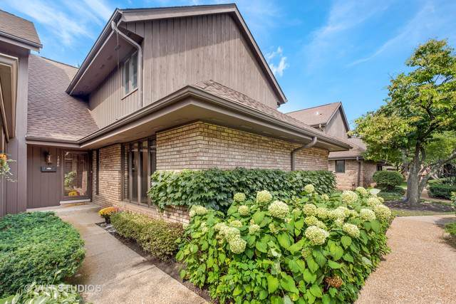 1880 Mission Hills Lane, Northbrook, IL 60062 (MLS #10523007) :: Property Consultants Realty