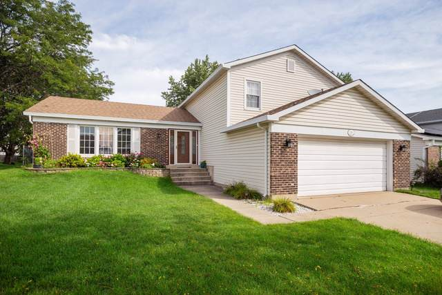 174 Warwick Drive, Glendale Heights, IL 60139 (MLS #10524075) :: Littlefield Group