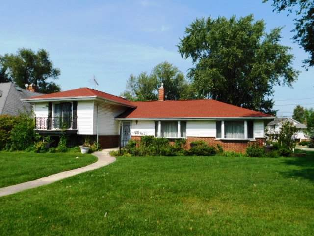3830 Gregory Drive, Northbrook, IL 60062 (MLS #10525195) :: Lewke Partners