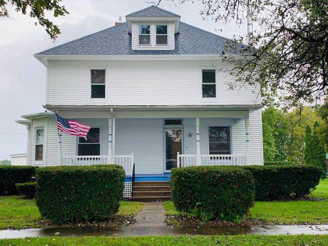 31318 Center Street, Chenoa, IL 61726 (MLS #10525472) :: BNRealty