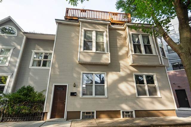 920 W Montana Street, Chicago, IL 60614 (MLS #10526476) :: Janet Jurich Realty Group