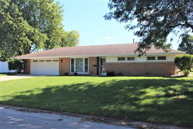 2 W Concord Drive, Lexington, IL 61753 (MLS #10527344) :: Janet Jurich