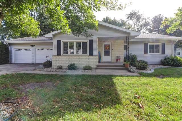 204 S 7th Street, ST. JOSEPH, IL 61873 (MLS #10531244) :: Littlefield Group