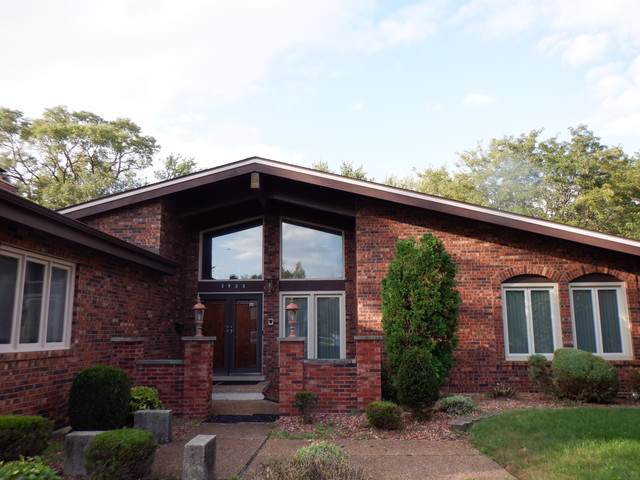 2933 Scott Crescent, Flossmoor, IL 60422 (MLS #10536626) :: The Mattz Mega Group