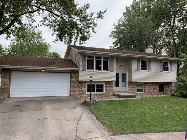 2801 Dartmouth Drive, Bloomington, IL 61704 (MLS #10536727) :: The Wexler Group at Keller Williams Preferred Realty