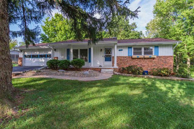 14312 Oak Tree Lane, Bloomington, IL 61705 (MLS #10536786) :: Janet Jurich Realty Group
