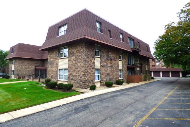 475 Shenstone Road #102, Riverside, IL 60546 (MLS #10537564) :: The Mattz Mega Group