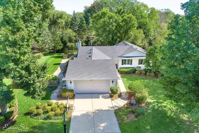 640 Ridgewood Lane, Libertyville, IL 60048 (MLS #10539507) :: Helen Oliveri Real Estate