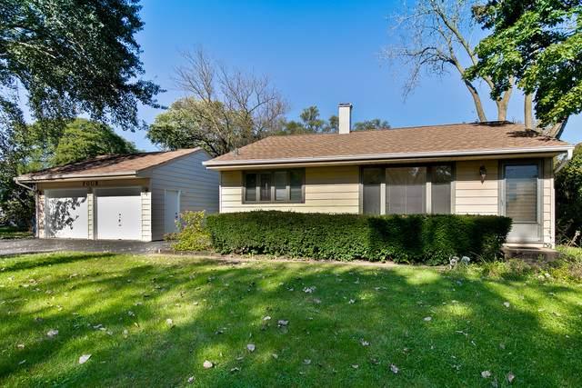 4 Willow Terrace, Lake Zurich, IL 60047 (MLS #10542817) :: Helen Oliveri Real Estate