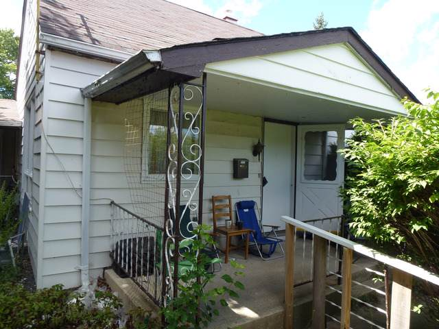 9302 N Knight Avenue, Des Plaines, IL 60016 (MLS #10543309) :: Baz Realty Network | Keller Williams Elite