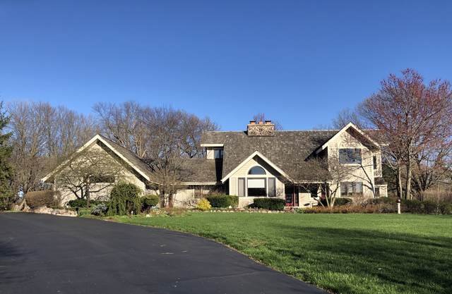 6 Seneca Avenue, Hawthorn Woods, IL 60047 (MLS #10543651) :: Helen Oliveri Real Estate