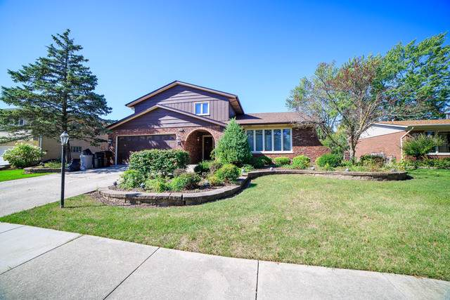 15400 Orchard Lane, Oak Forest, IL 60452 (MLS #10543834) :: The Mattz Mega Group