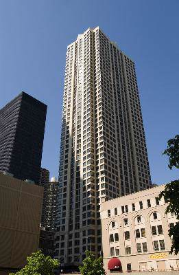 440 N Wabash Avenue #3702, Chicago, IL 60611 (MLS #10545726) :: John Lyons Real Estate