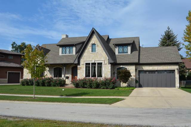 2112 N Ridge Avenue, Arlington Heights, IL 60004 (MLS #10546600) :: Suburban Life Realty