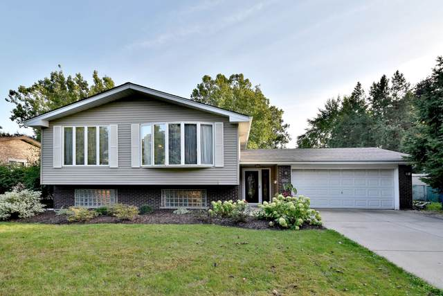 15W713 Virginia Lane, Elmhurst, IL 60126 (MLS #10546987) :: Helen Oliveri Real Estate