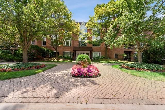 207 Rivershire Lane #102, Lincolnshire, IL 60069 (MLS #10547099) :: Helen Oliveri Real Estate