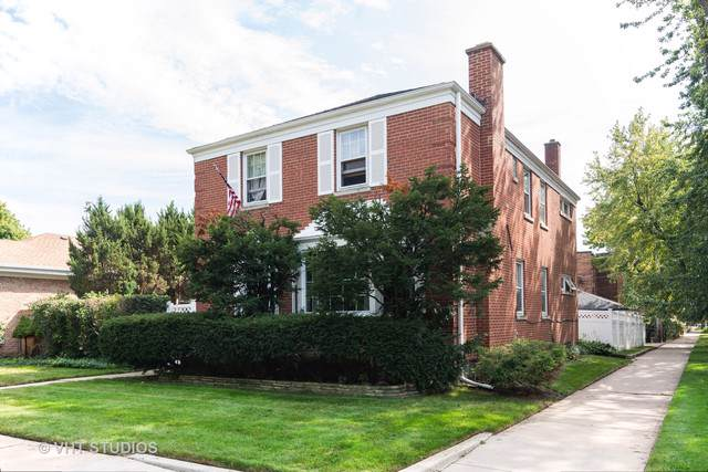 2249 W Lunt Avenue, Chicago, IL 60645 (MLS #10547390) :: Property Consultants Realty