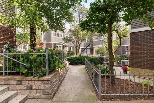 3341 N Racine Avenue B, Chicago, IL 60657 (MLS #10547450) :: Berkshire Hathaway HomeServices Snyder Real Estate