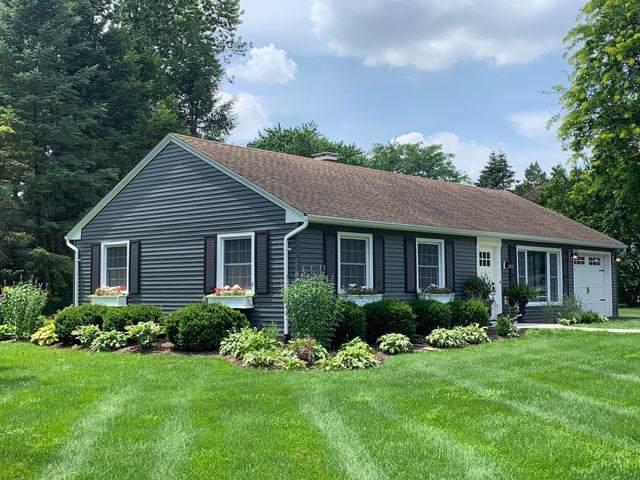422 Glen Garry Road, Cary, IL 60013 (MLS #10547495) :: Lewke Partners
