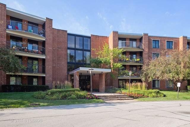 1415 E Central Road 110B, Arlington Heights, IL 60005 (MLS #10547497) :: Helen Oliveri Real Estate