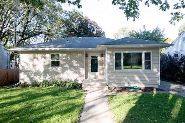 501 S 11th Street, Dekalb, IL 60115 (MLS #10547704) :: John Lyons Real Estate