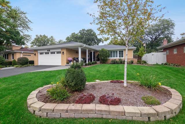 1402 Plymouth Lane, Glenview, IL 60025 (MLS #10548109) :: Helen Oliveri Real Estate