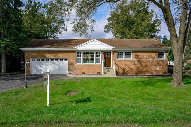 1684 Central Avenue, Northbrook, IL 60062 (MLS #10548265) :: Helen Oliveri Real Estate