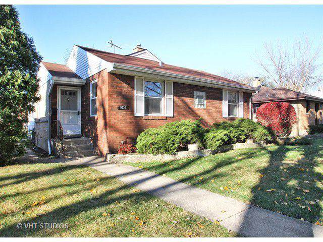 9036 Mcvicker Avenue, Morton Grove, IL 60053 (MLS #10548739) :: Baz Realty Network | Keller Williams Elite