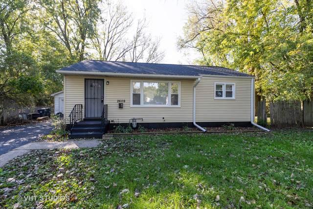 2609 N Pine Street, Waukegan, IL 60087 (MLS #10548741) :: Littlefield Group